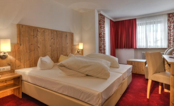 Romantikurlaub in Axams bei Innsbruck - uriger Charme im Landhausstil