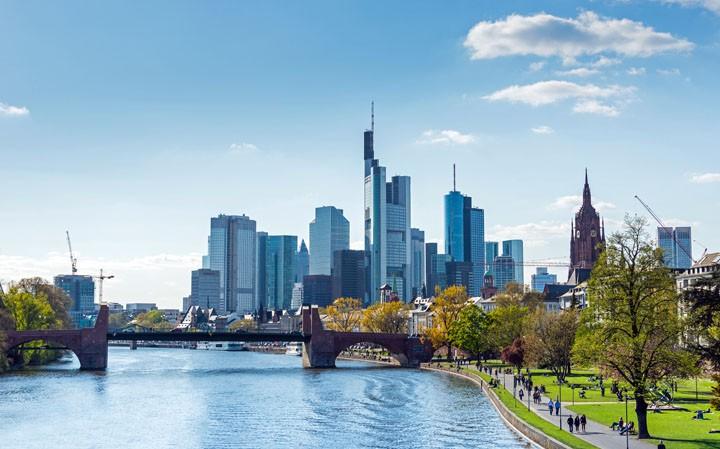 Frankfurt Städtetrip - Therme und Shopping-Erlebnis in direkter Umgebung