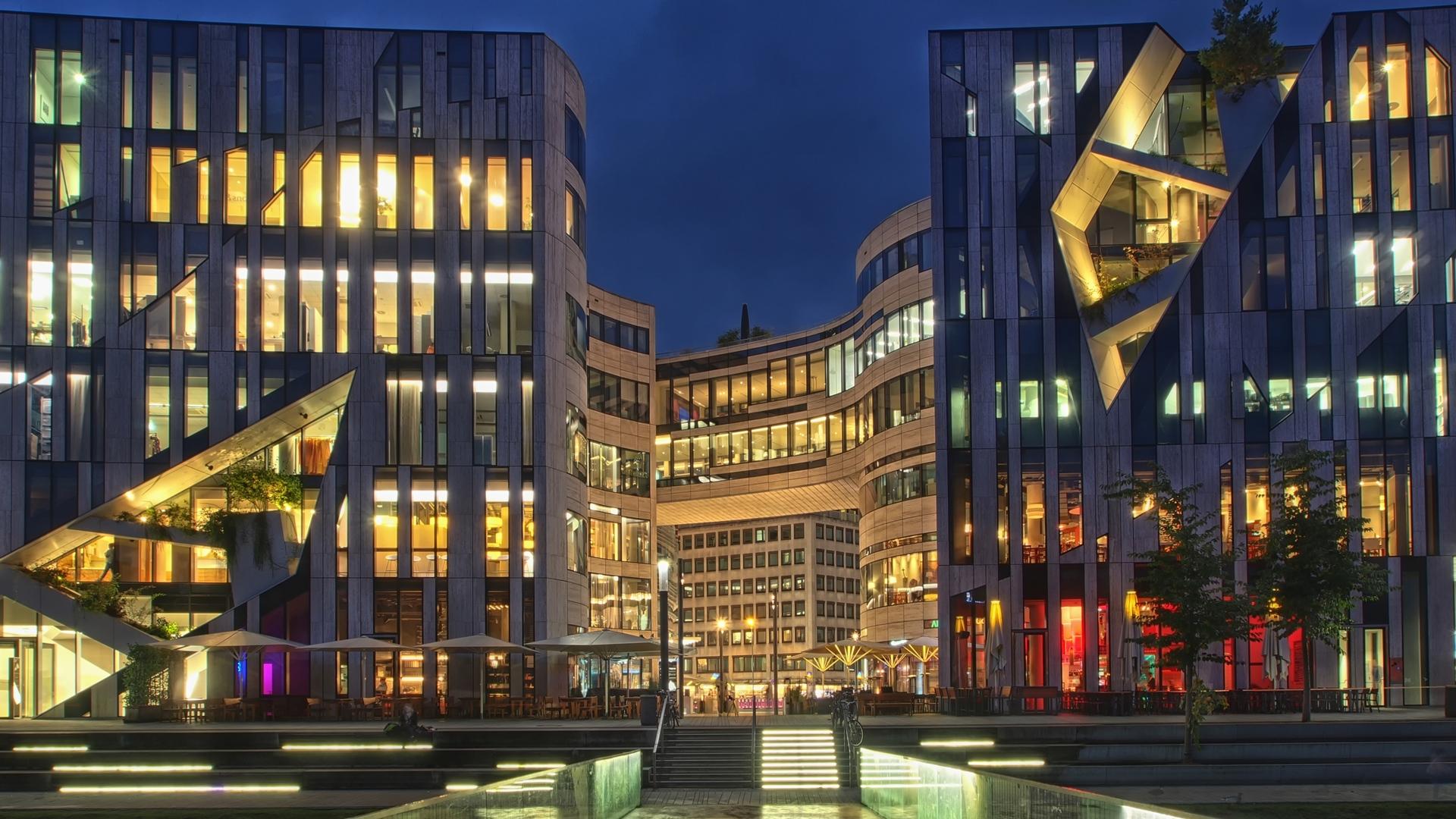Neues Einkaufszentrum in Dsseldorf.