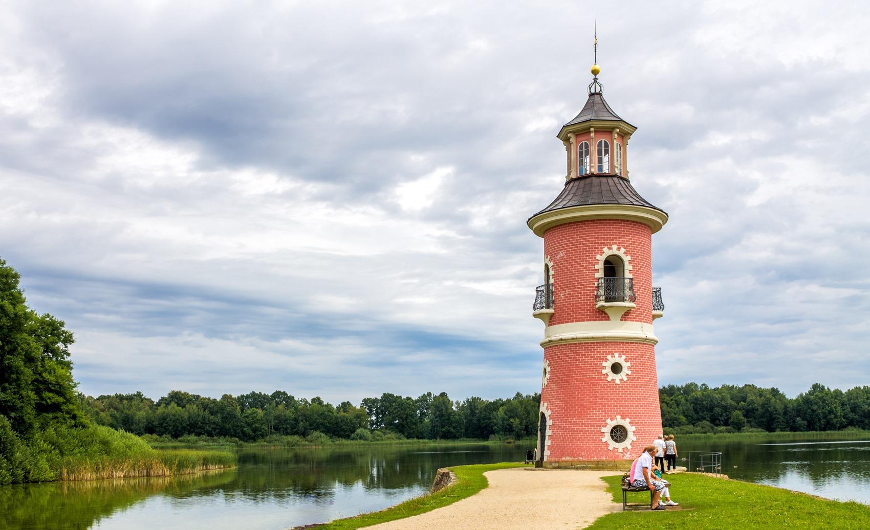 Schloss Moritzburg, Hafenanlage am Groteich mit Mole und Leuchtturm
