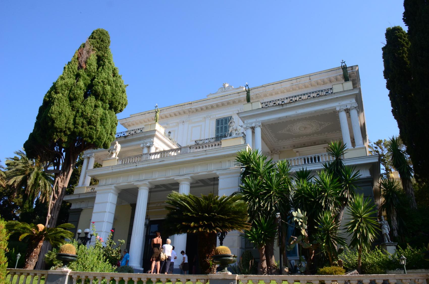 Achilleion, Corfu, Greece : Achilleion Palace roof