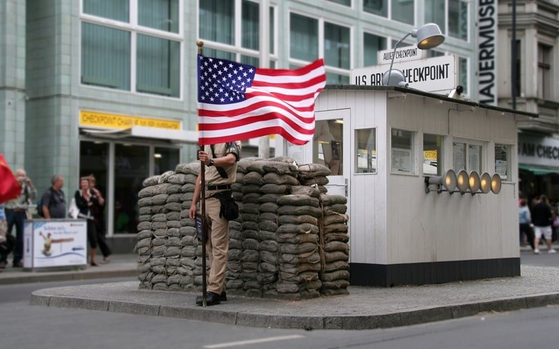Fotopoint Checkpoint Charlie