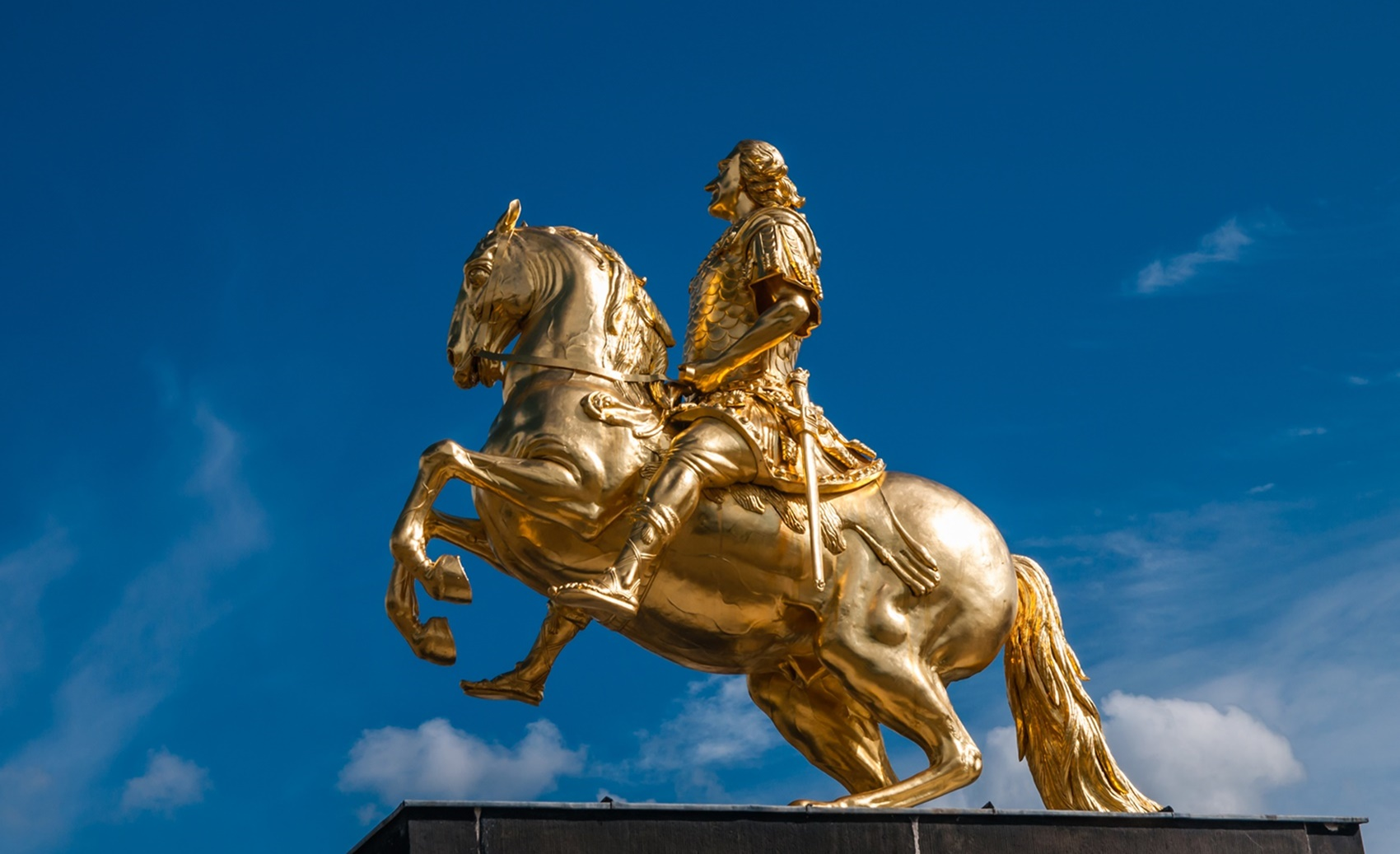 Der Goldene Reiter Denkmal In Dresden Bedeutung Geschichte