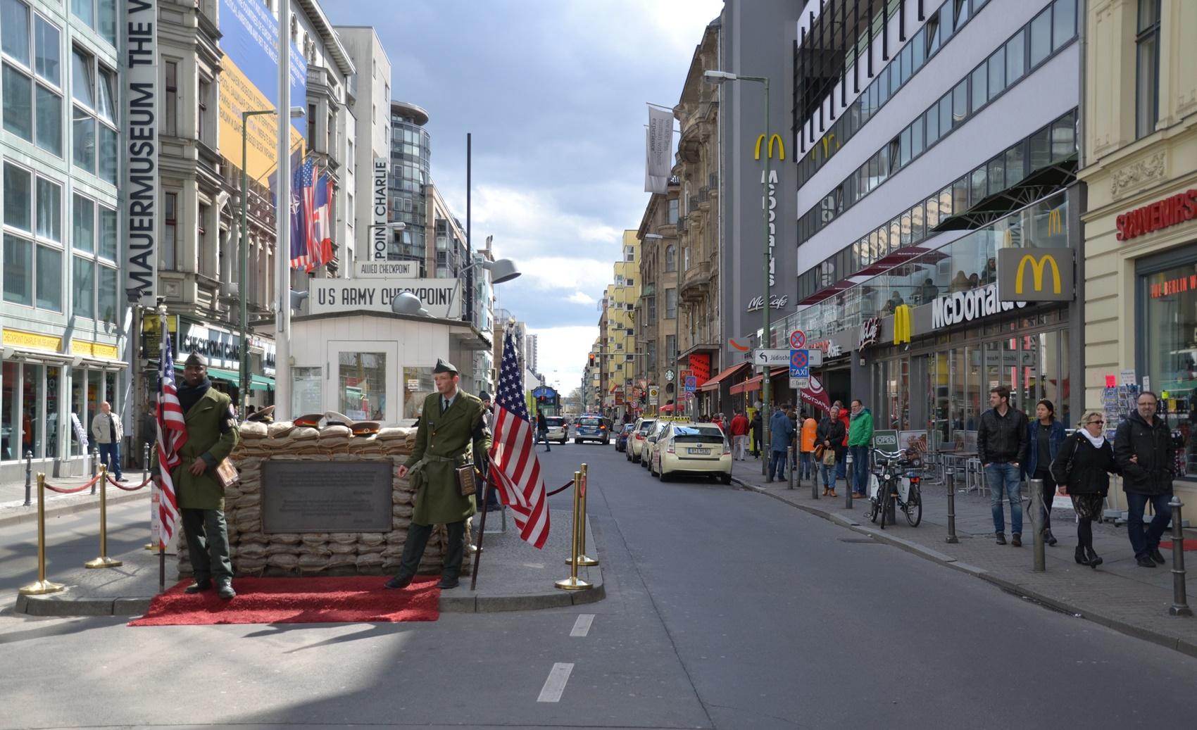 Checkpoint Charlie Berlin Sehenswürdigkeit