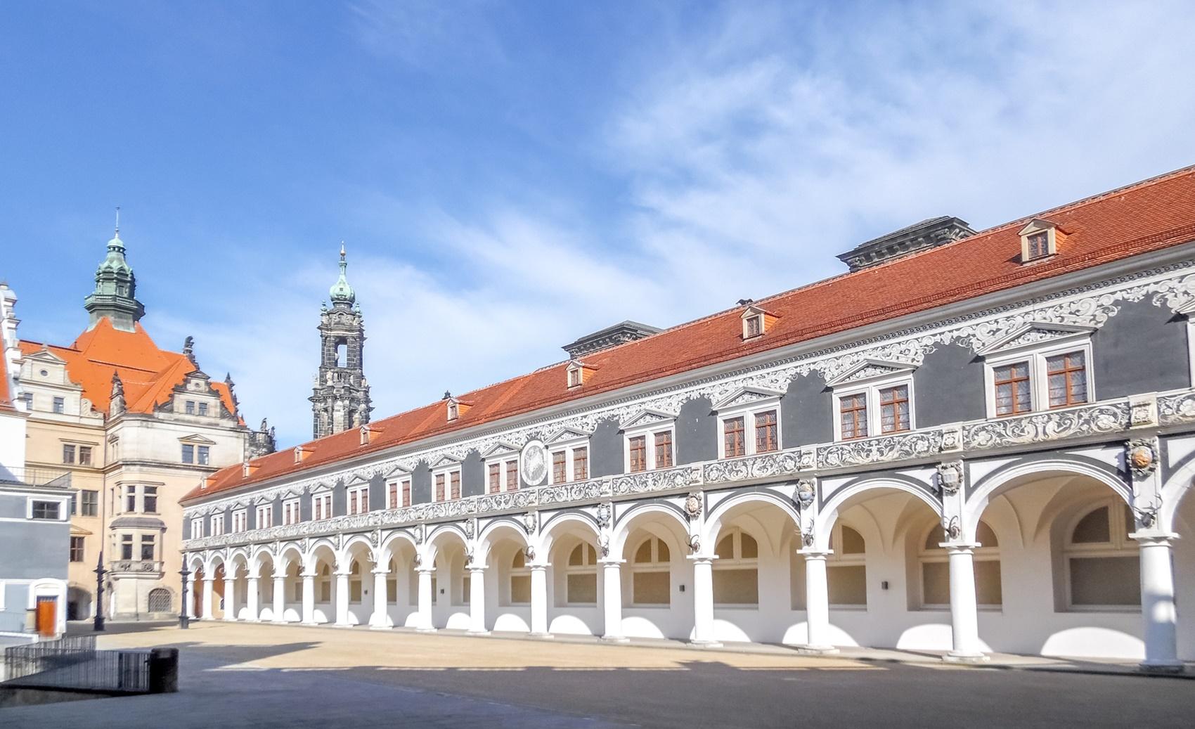 Stallhof, Schloss Dresden