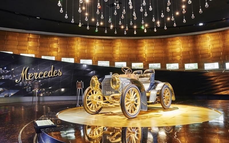 Mercedes Benz Museum Ausstellung