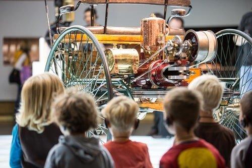 Mercedes Benz Museum Führung