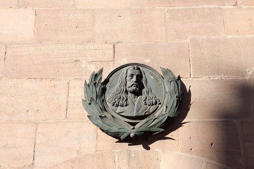 Denkmal am Albrecht-Dürer-Haus in Nürnberg