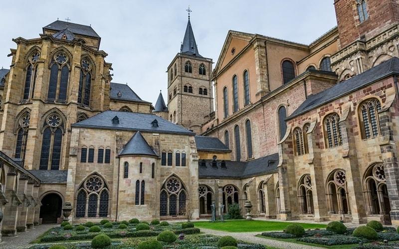 Dom-Trier