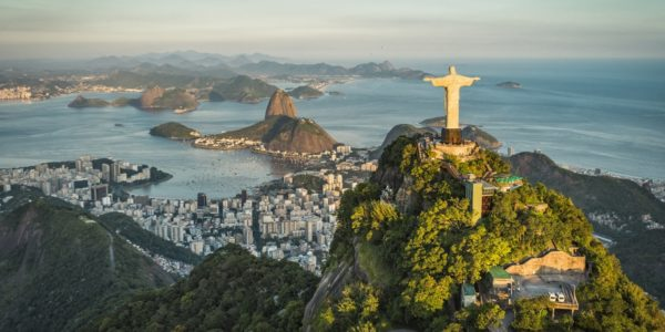 Christusstatue im Süden von Rio de Janeiro auf dem Berg Corcovado