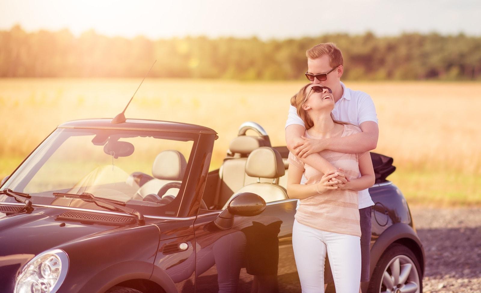 Partnerurlaub mit Auto