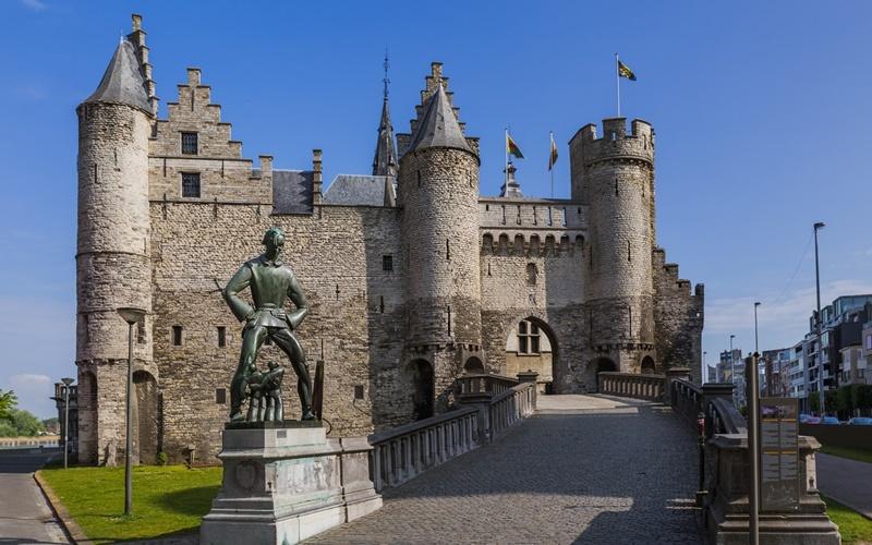 Burg-Steen