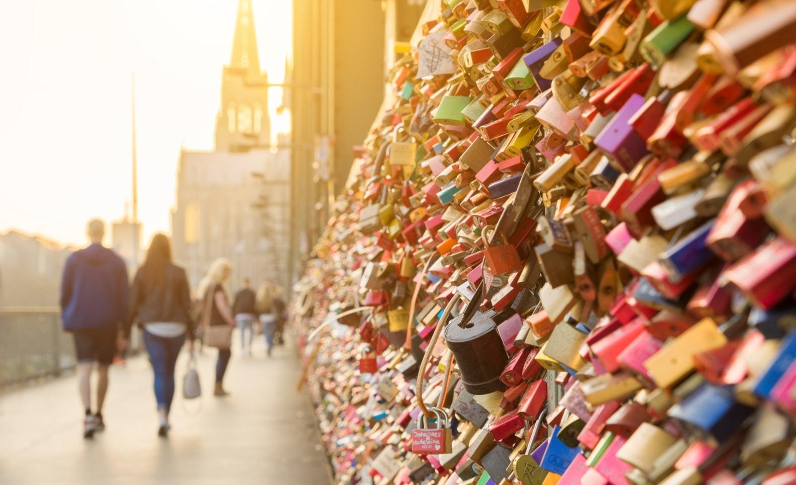 Brücke mit Liebesschlössern in Köln