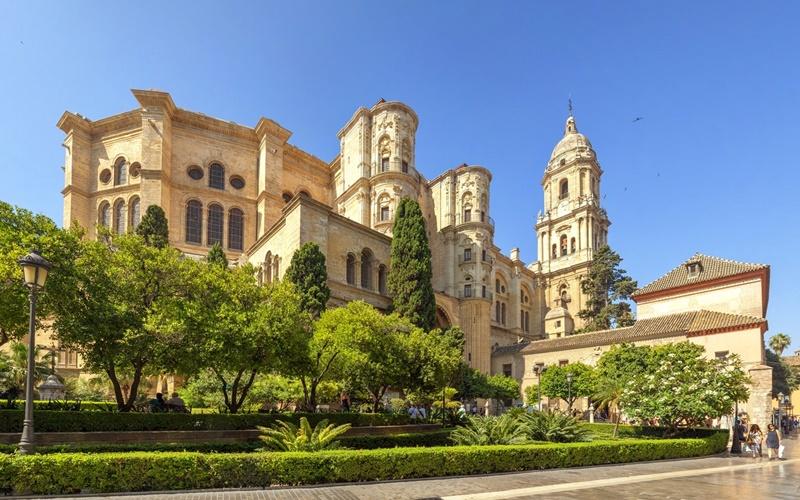 Santa-Iglesia-Catedral-Basílica-de-la-Encarnación