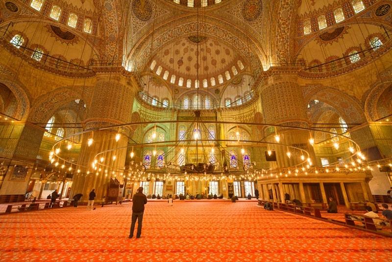 Innenraum der Blauen Moschee Istanbul