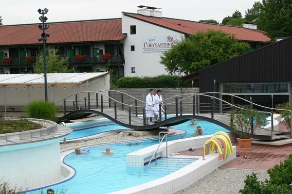 10 traumhafte hotels mit direktem thermenzugang in deutschland for Hotel mit whirlpool im zimmer hessen