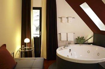 Hotel mit Whirlpool im Zimmer Balve