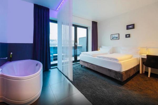 Hotel mit Whirlpool im Zimmer Berlin