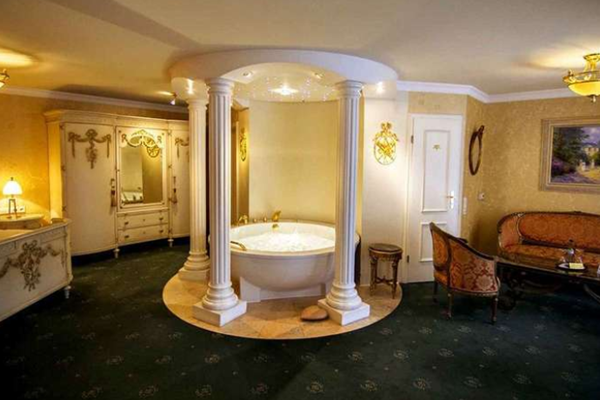 10 traumhafte hotels mit whirlpool im zimmer. Black Bedroom Furniture Sets. Home Design Ideas