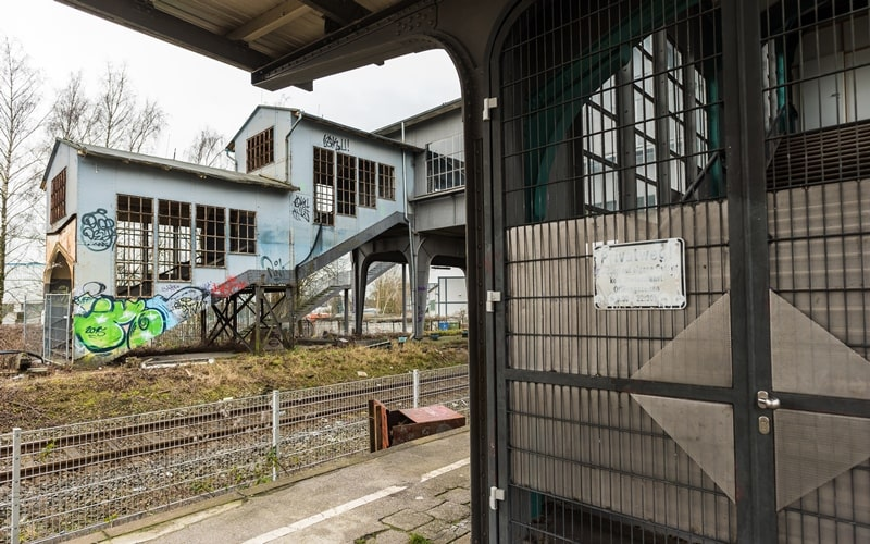 Bahnhof bordell düsseldorf | Düsseldorf Hbf. 2020-04-17