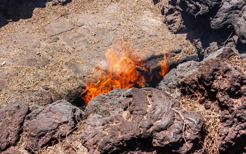 brennender Schlot im Timanfaya Nationalpark