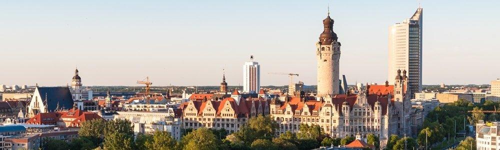 Reiseziel Leipzig mit Neuem Rathaus und Uni-Riesen