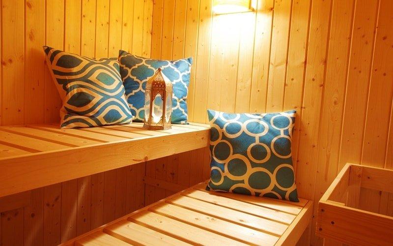 Sauna mit Kissen