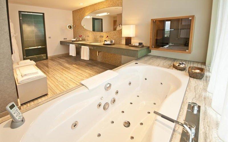 11 Sagenhafte Hotels Mit Whirlpool Im Zimmer In Nrw Und Sauna