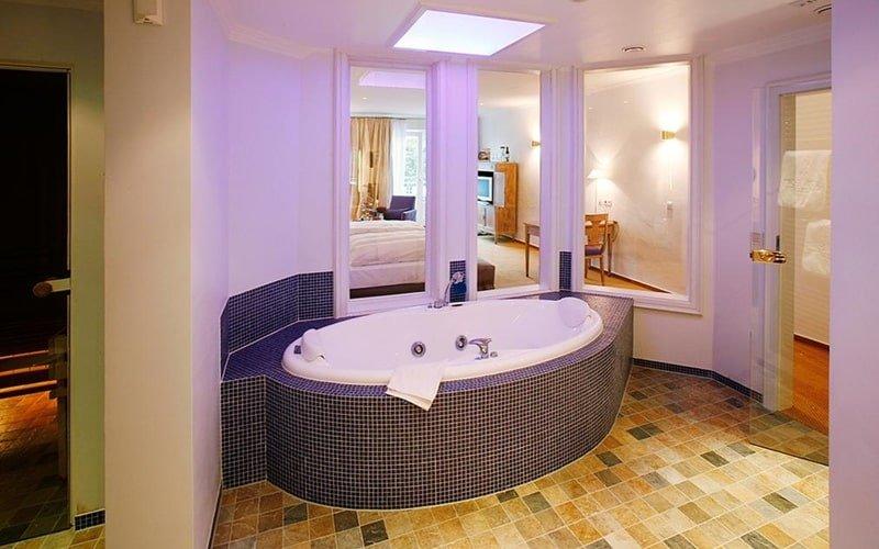 11 sagenhafte Hotels mit Whirlpool im Zimmer in NRW (und Sauna)