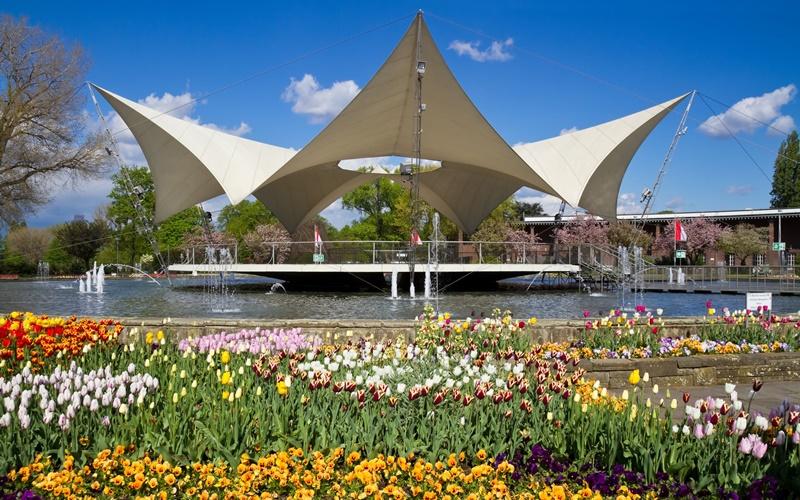 Köln Deutschland Sehenswürdigkeiten Tanzbrunnen Rheinpark