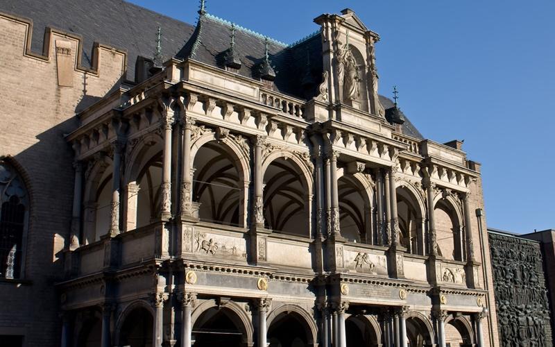 Köln Sehenswürdigkeiten nähe Dom Laube Rathaus