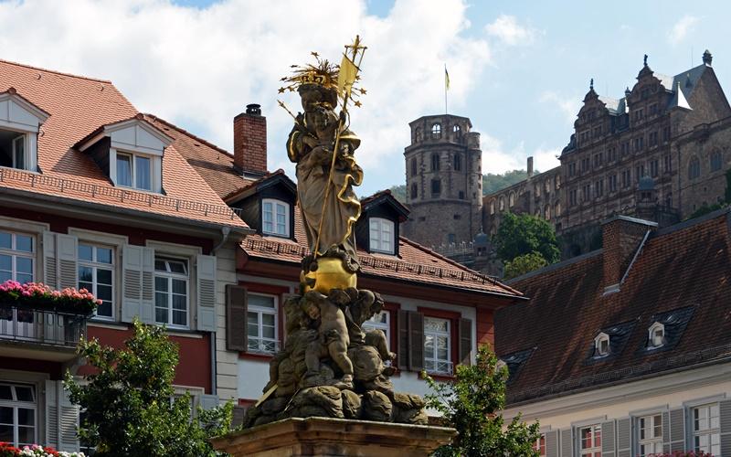 Kornmarkt Madonna Heidelberg Attraktionen