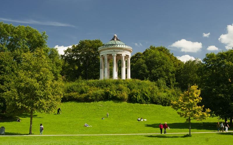 München Sehenswürdigkeiten Englischer Garten Monopteros