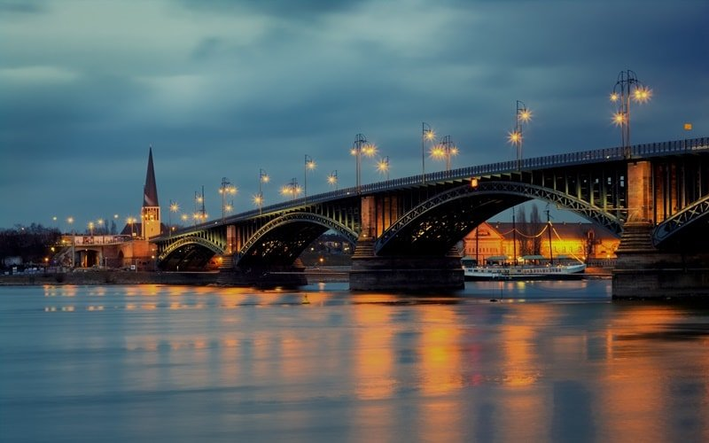 Mainz Attraktion Theodor Heuss Brücke