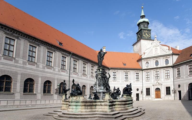 Residenz München Sehenswürdigkeiten innenhof