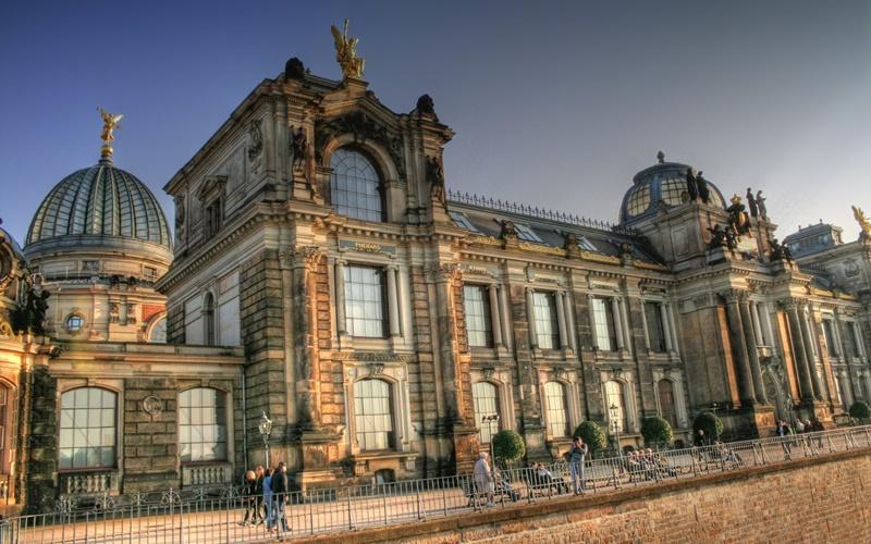 Stadtplan Dresden mit Sehenswürdigkeiten Albertinum