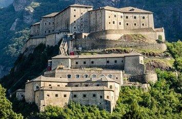 Italien Städte Aosta Fort Bard