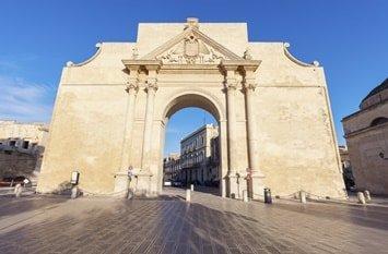 Italien Städte Lecce Porta Napoli