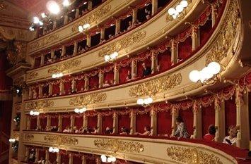 Italien Städte Mailand Opernhaus