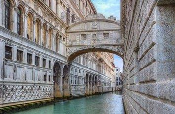 Italien Städte Venedig Seufzerbrücke
