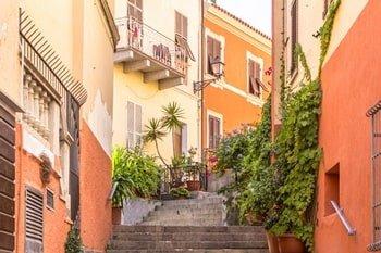Italien urlaub am Meer La Maddalena Straßen