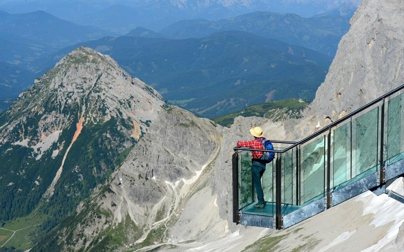 Treppe ins Nichts Dachsteiner Gletscher Österreich