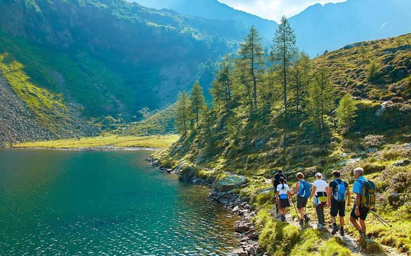 wandern am see in österreich