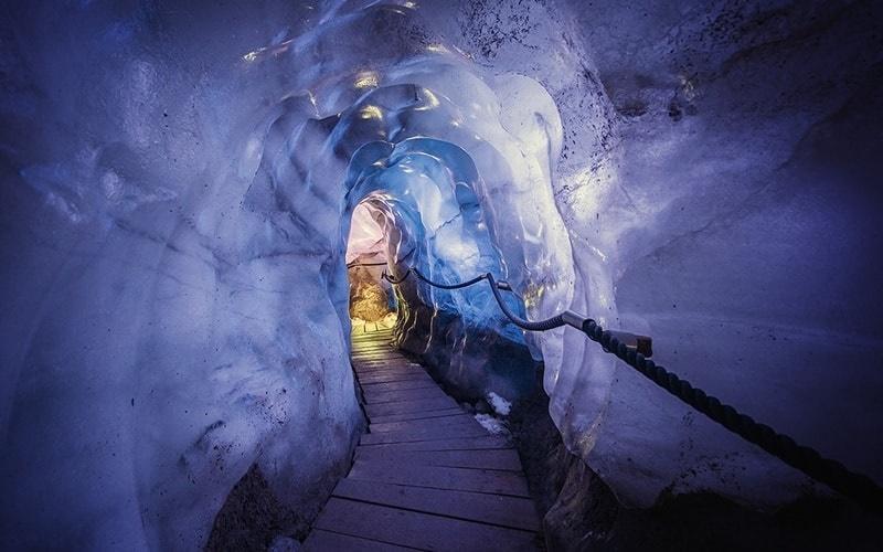eisgrotte stubaier gletscher