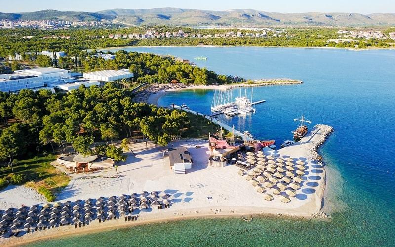 Kroatien Städte am Meer Sandstrand