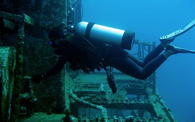 Wracktachen Kroatien Schiff