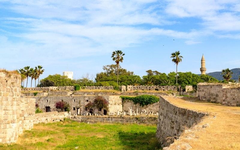 Burg Neratzia