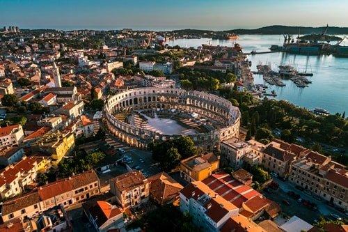 Urlaub an der Küste Pula Istrien
