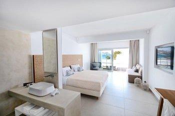 Manoulas Beach Mykonos Resort