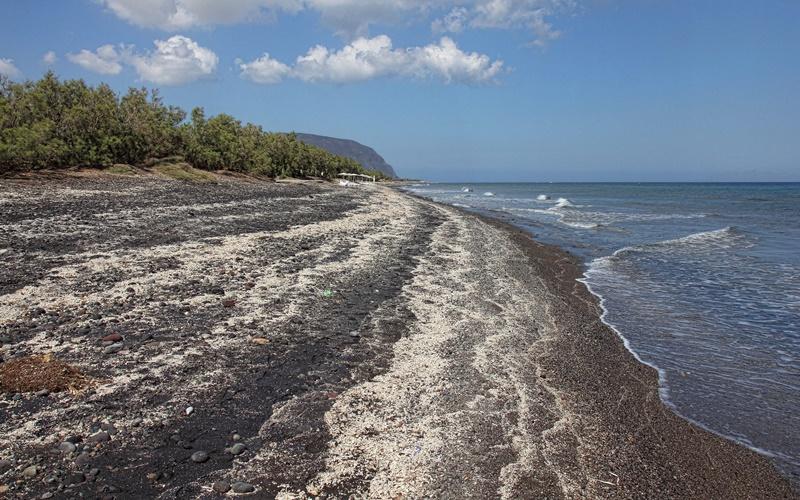 Agios Georgios Strand santorini